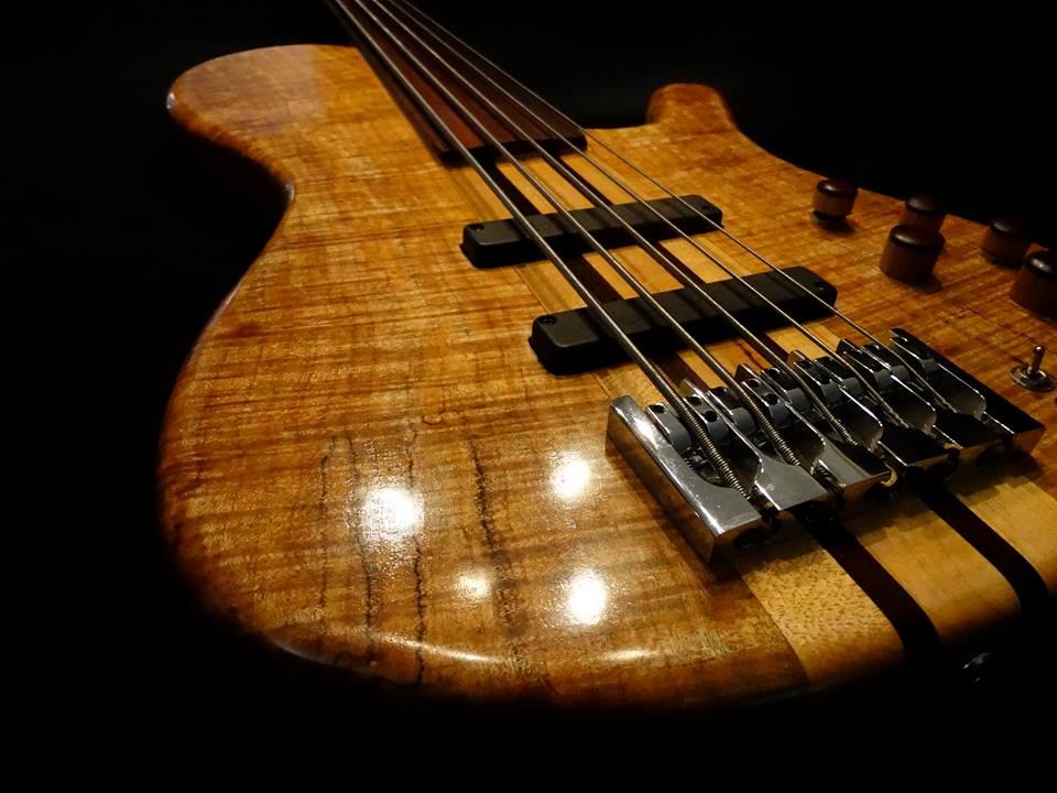 sang bass