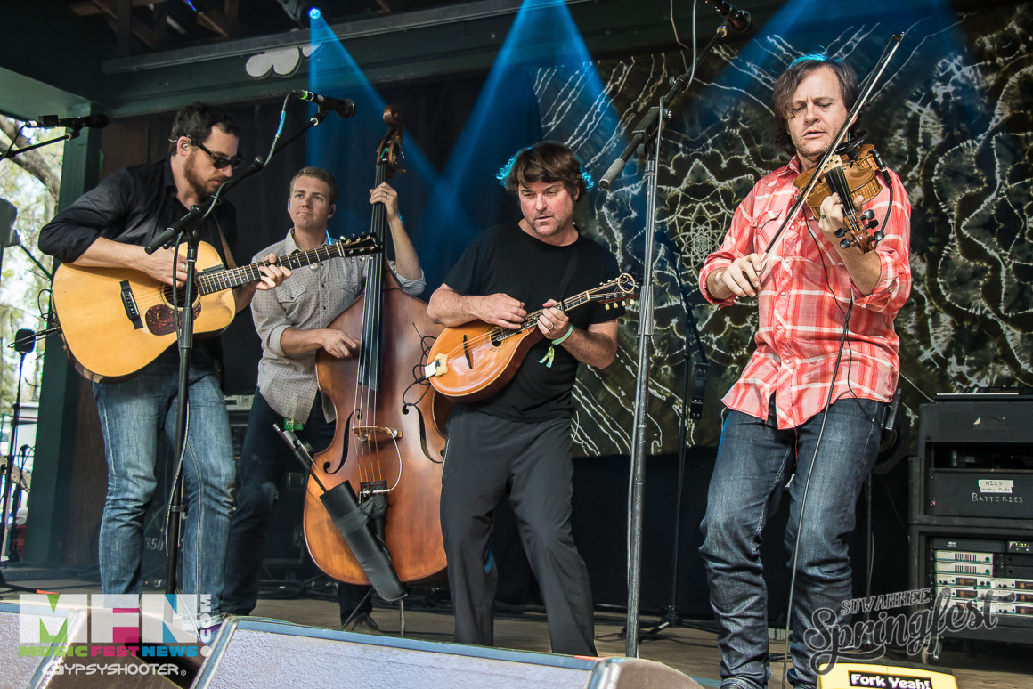 Keller Williams' Grateful Grass with The Infamous Stringdusters