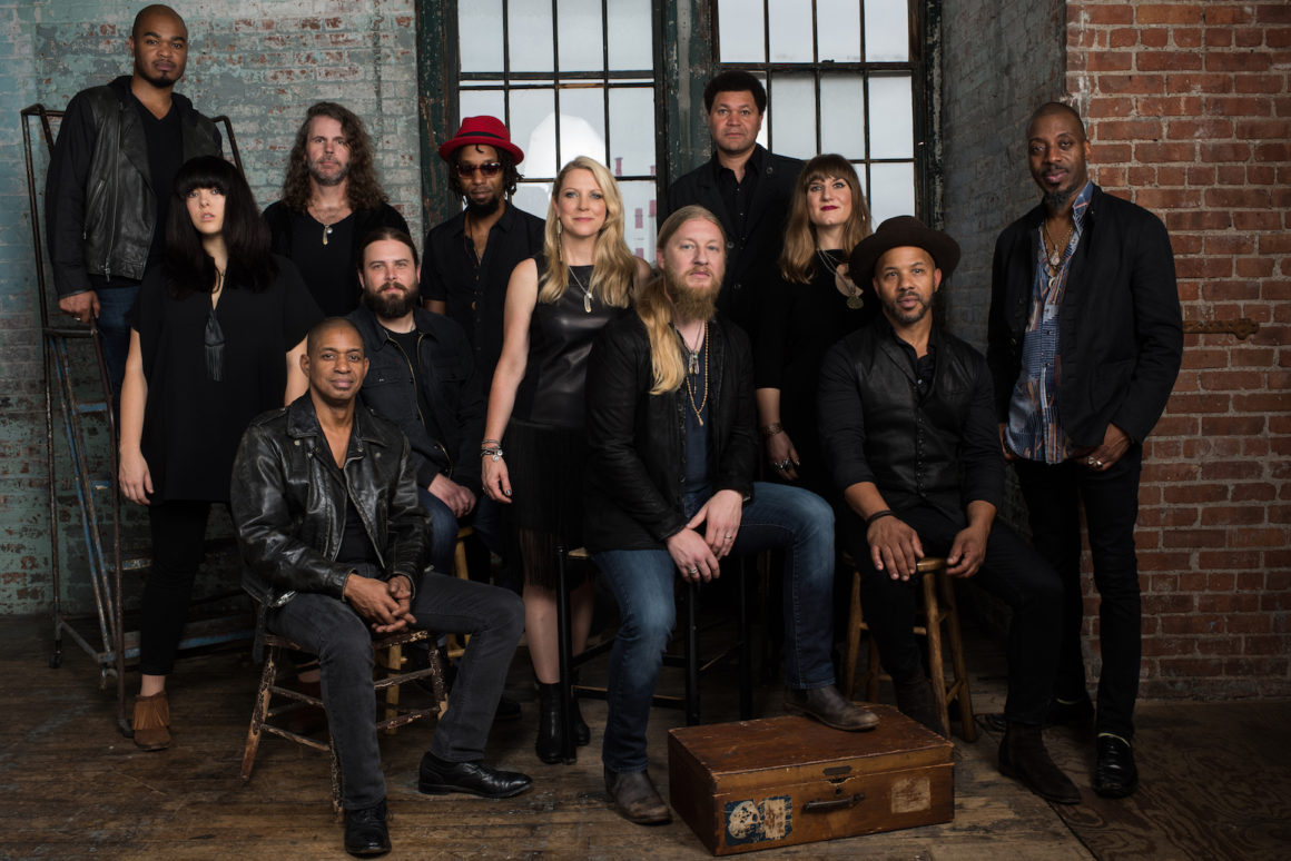 smf-tedeschi-trucks-band_photo-credit-tedeschi-trucks-band_band-general-2